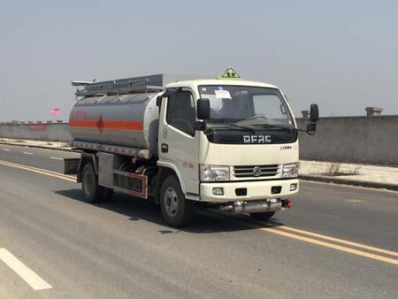 万博网页版登录首页多利卡流动加油车专威牌HTW5070GJYEC型加油车