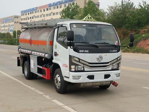 国六万博网页版登录首页多利卡4-5吨加油油罐车