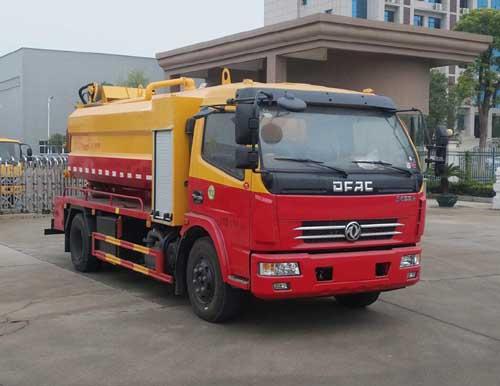 专威牌HTW5111GQWE型清洗吸污车