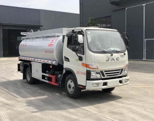 专威牌HTW5071GPGJH6型普通液体运输车