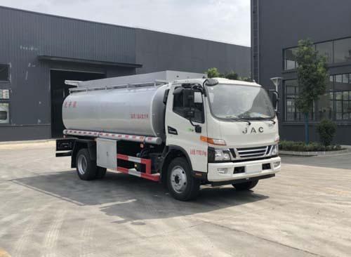 专威牌HTW5121GPGJH6型普通液体运输车